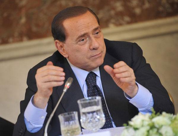 Berlusconi moet aftreden als senator